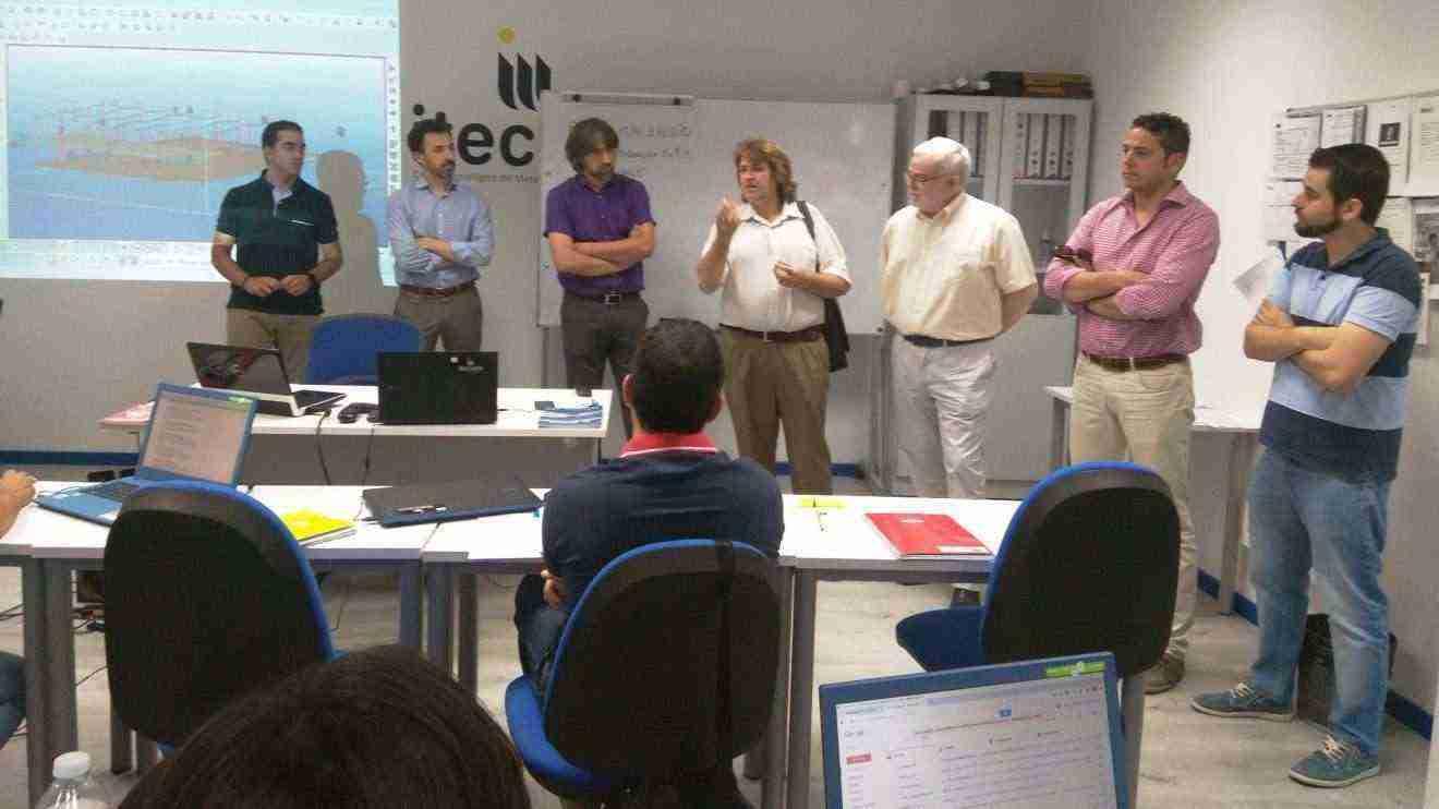 Agustin Espinosa y Casto Sanchez en visita taller de empleo Tomelloso