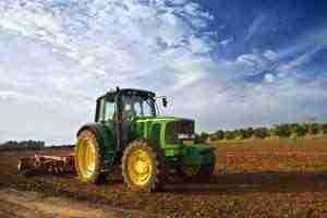 Medio rural, agricultura y tractor