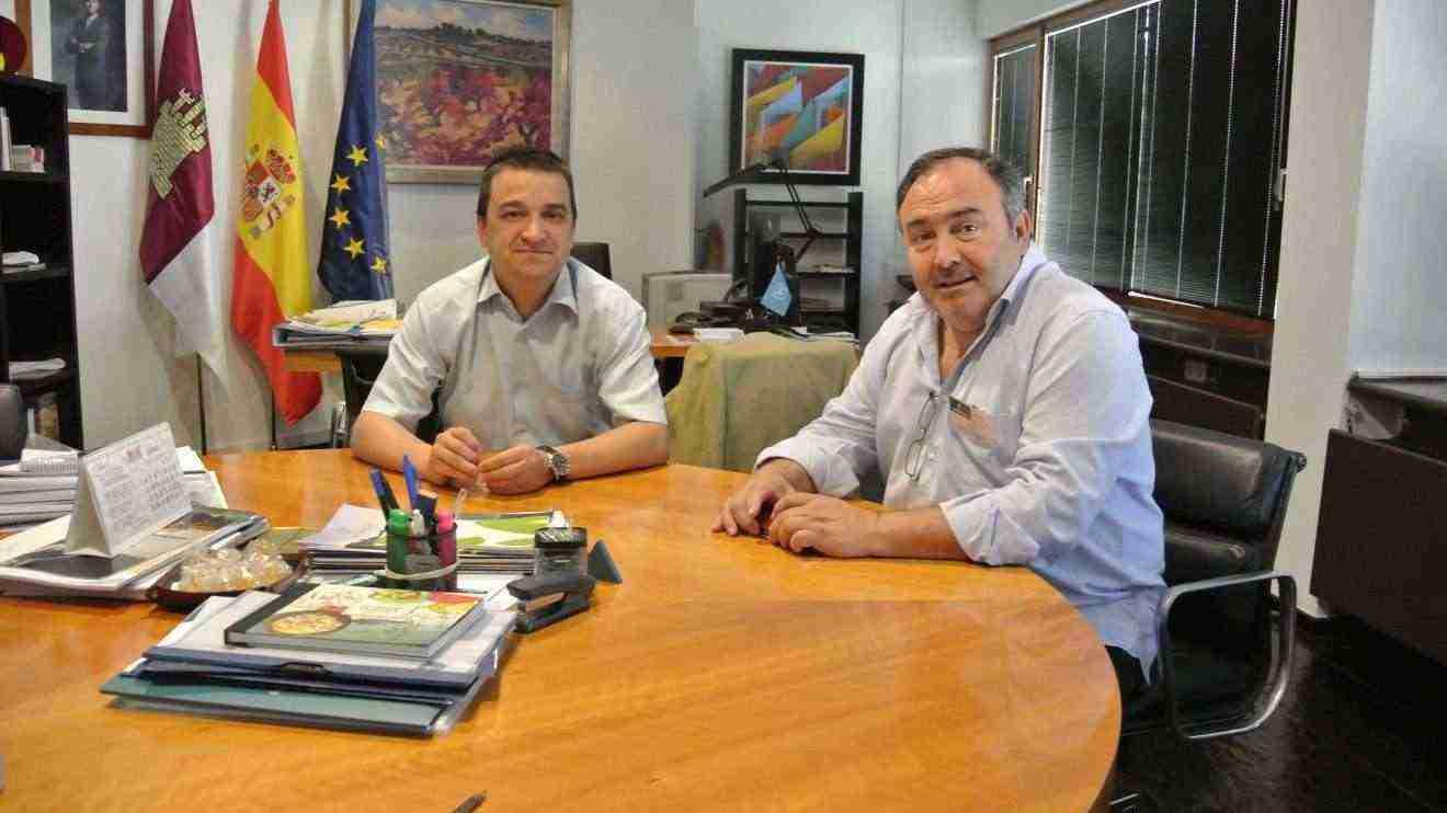 El Gobierno de Castilla-La Mancha y UGT coinciden en el impulso que supone el sector agrario para la creación de empleo en la región