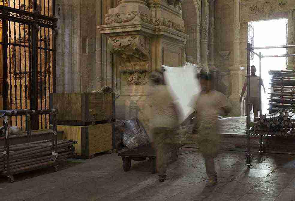 Tres trailers de grandes dimensiones y un camión traerán la obra de Ai Weiwei a la ciudad de Cuenca proveniente de Londres