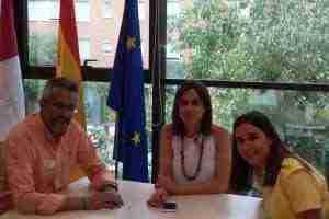 La directora general de Turismo recibe a representantes de la Asociación de Guías El Greco y Toledo