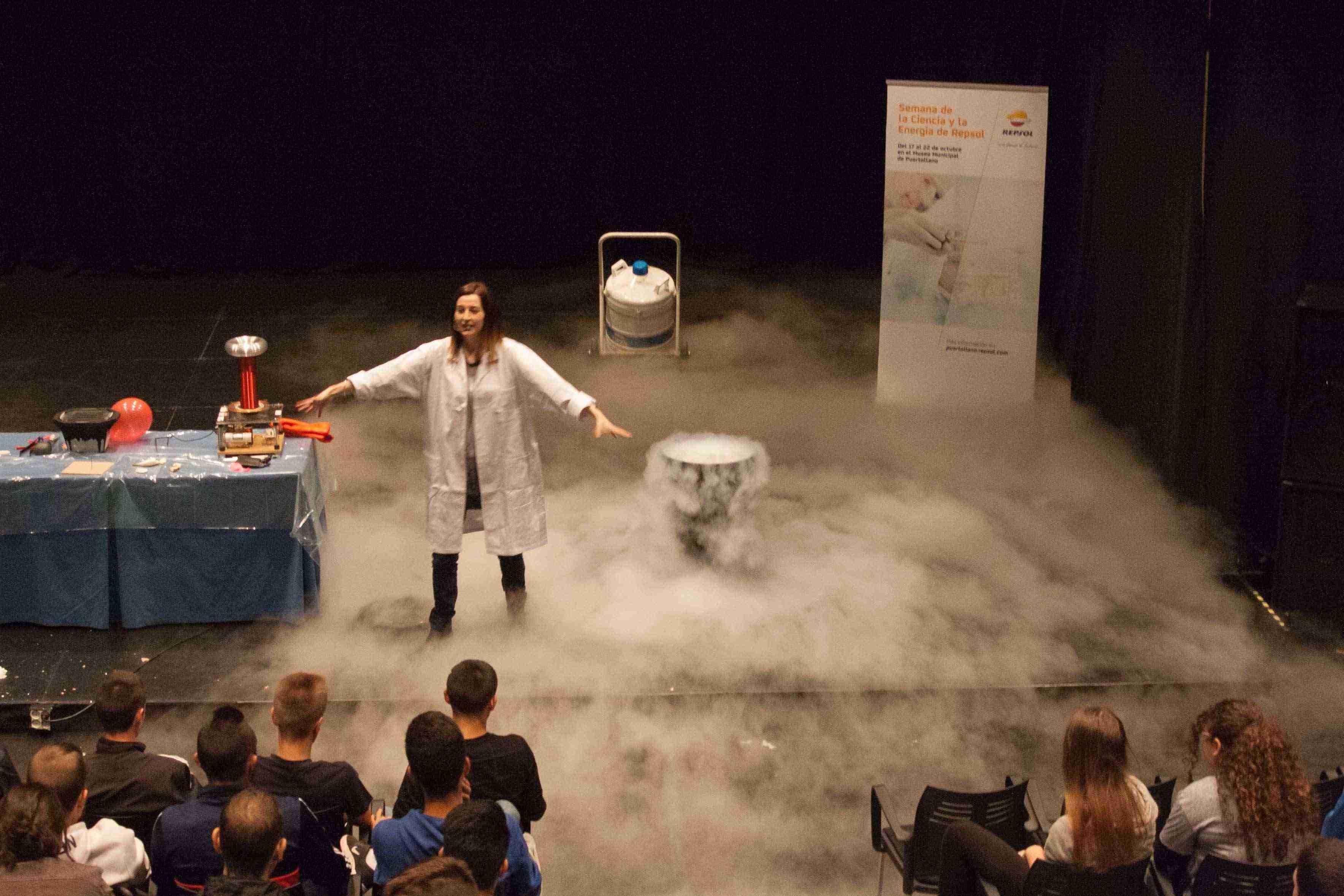 ciencia-a-lo-grande-en-puertollano-humo