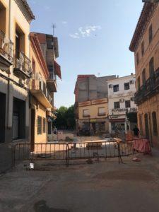 obras avenida y plaza cervantes en herencia fotos dcarrero herencia net 3 225x300 - La nueva Plaza Cervantes de Herencia pronto finalizará sus obras