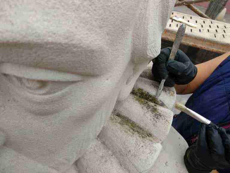 Restaurada la escultura de Cervantes como parte del patrimonio artístico herenciano 7
