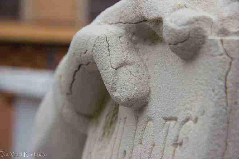 Restaurada la escultura de Cervantes como parte del patrimonio artístico herenciano 8