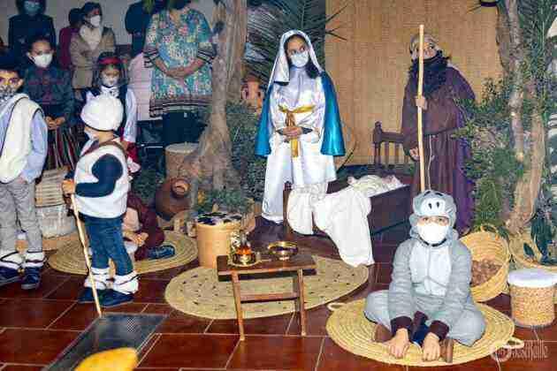 Galería fotográfica del belén viviente y misa de vigilia de Navidad 57