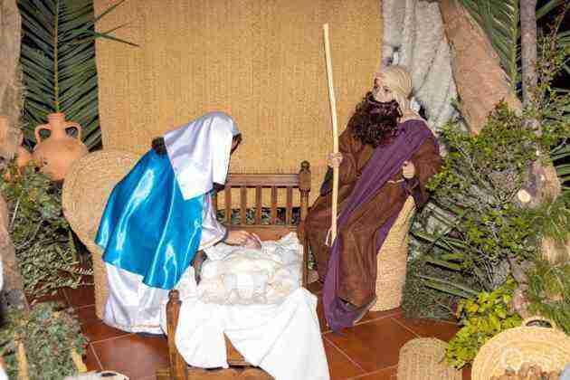 Galería fotográfica del belén viviente y misa de vigilia de Navidad 50