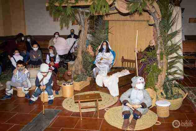 Galería fotográfica del belén viviente y misa de vigilia de Navidad 7