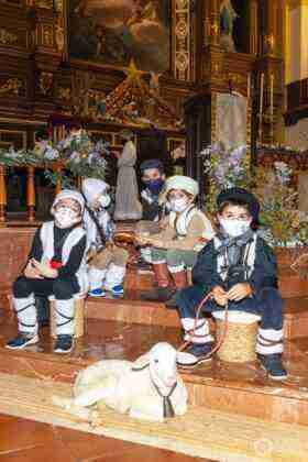 Galería fotográfica del belén viviente y misa de vigilia de Navidad 42