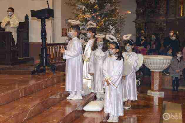 Galería fotográfica del belén viviente y misa de vigilia de Navidad 71