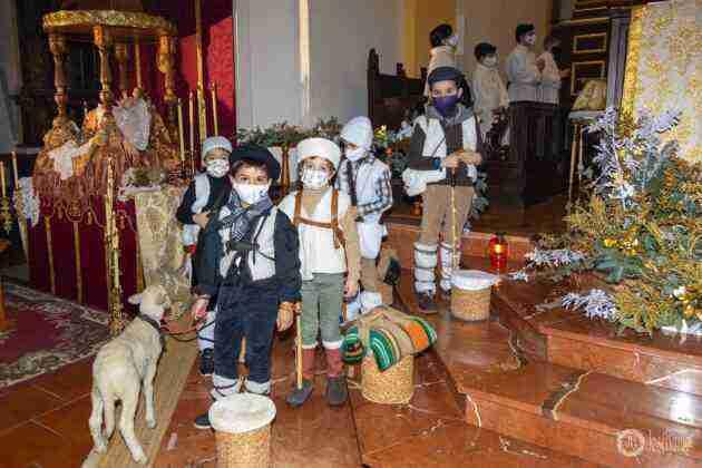 Galería fotográfica del belén viviente y misa de vigilia de Navidad 49