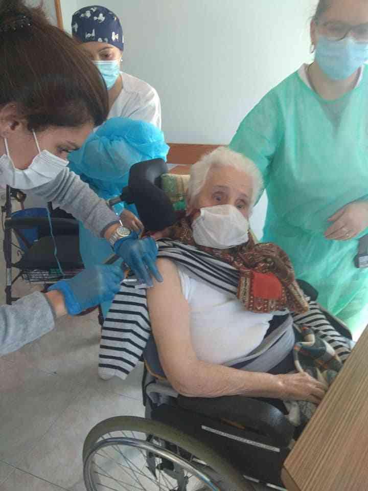 La Residencia San Francisco en Herencia recibe la vacuna contra el Covid-19 4