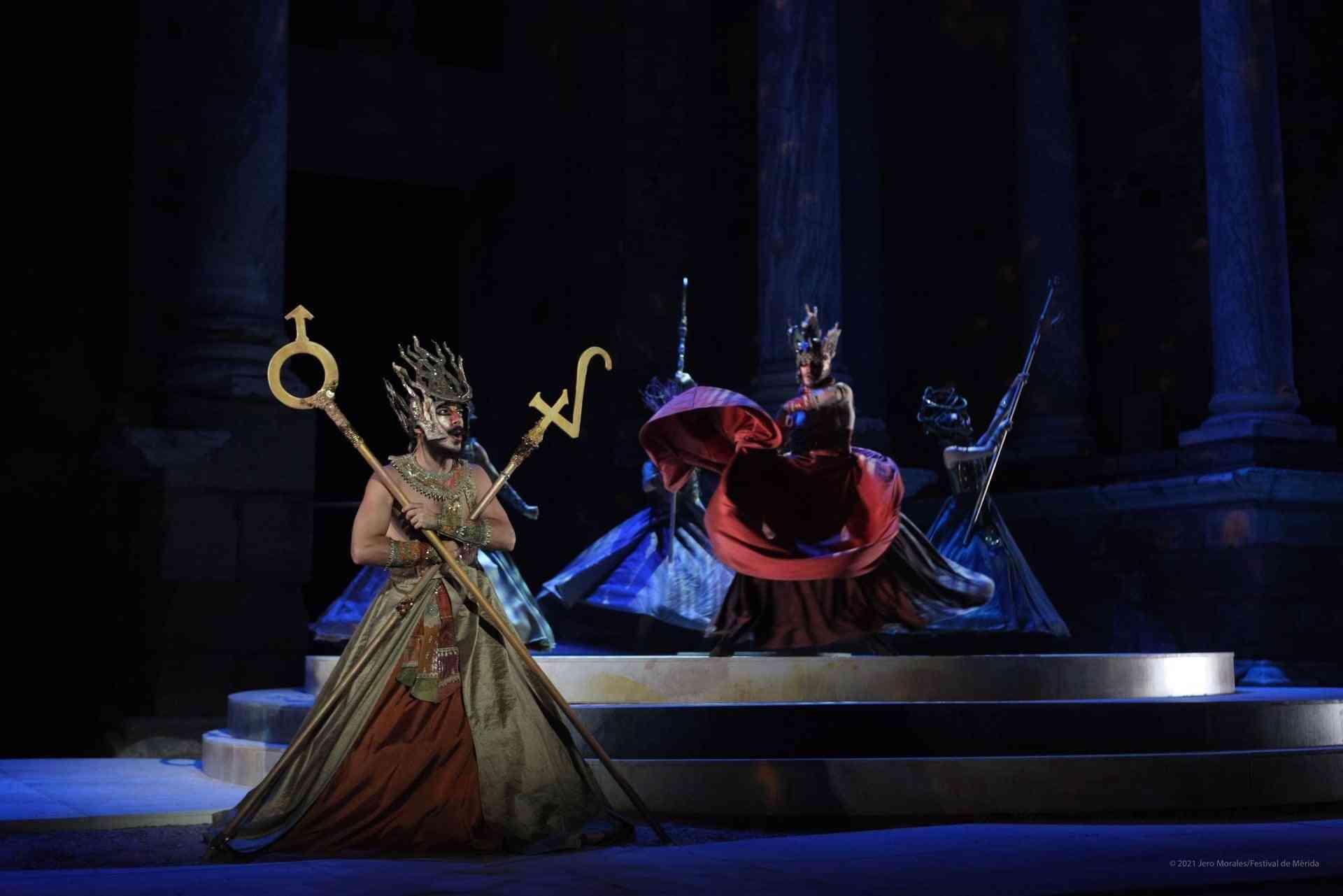 El vestuario de Rafael Garrigós, vuelve a brillar sobre el teatro romano de Mérida 19