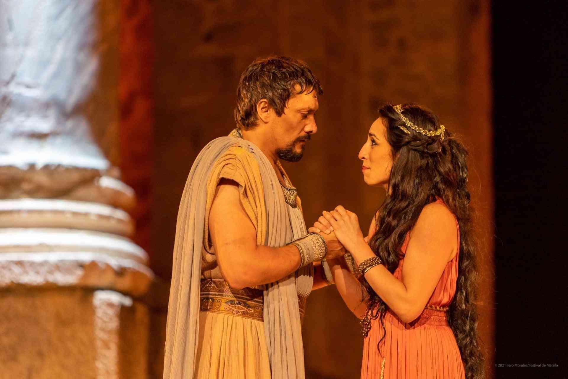 El vestuario de Rafael Garrigós, vuelve a brillar sobre el teatro romano de Mérida 17