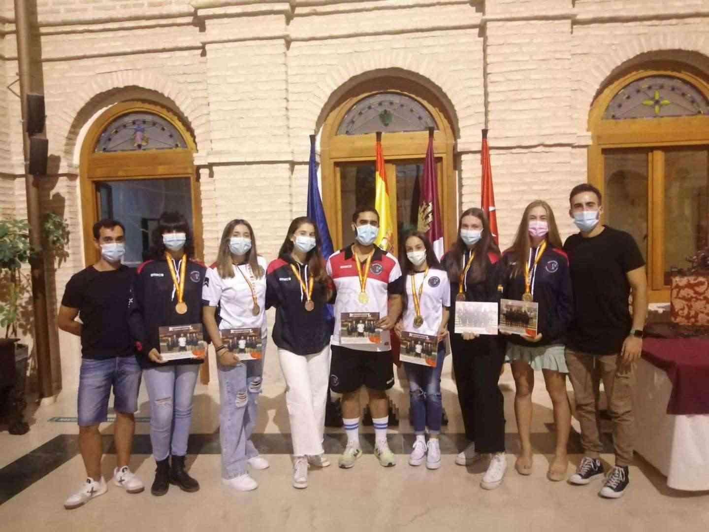 Recepción a los deportistas con medalla en el Campeonato de España de Balonmano Playa 20