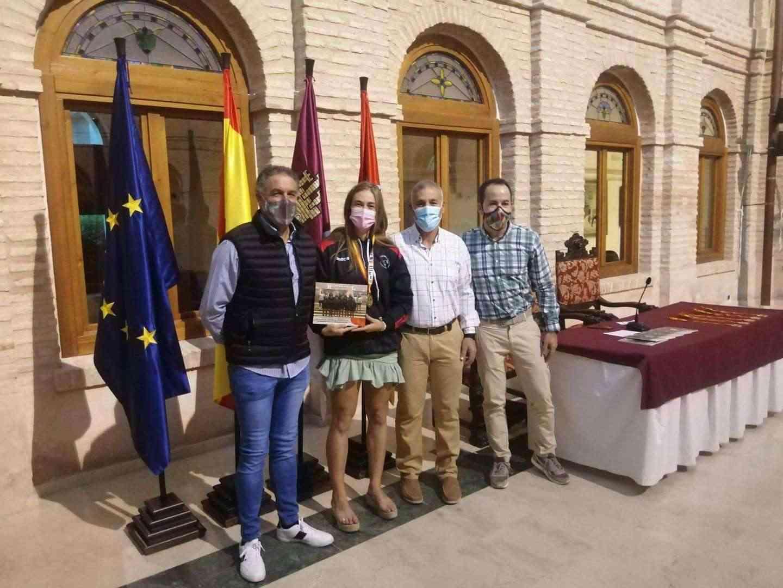 Recepción a los deportistas con medalla en el Campeonato de España de Balonmano Playa 13
